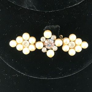 Vintage pearl and rhinestone bar pin